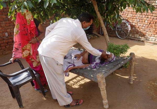 بازار داغ درمانگاه های غیرمجاز در روستاهای کرونا زده هند