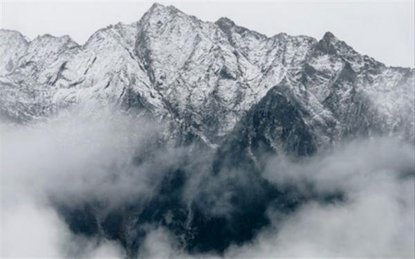 چرا بالای کوه هوا سردتر است