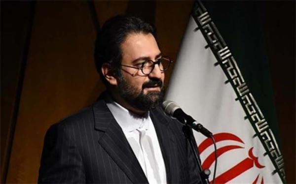 نهان بر عیان نشان دهنده ذهن نقاد ایرانی است